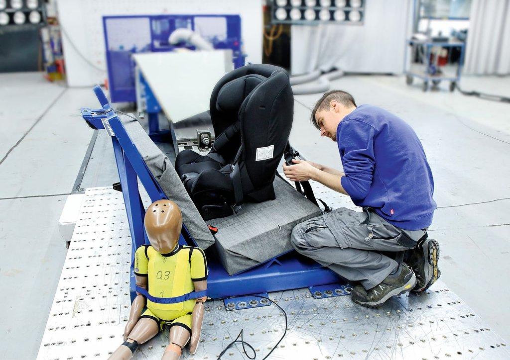 Kindersitze im Test: Mehr als die Hälfte sind