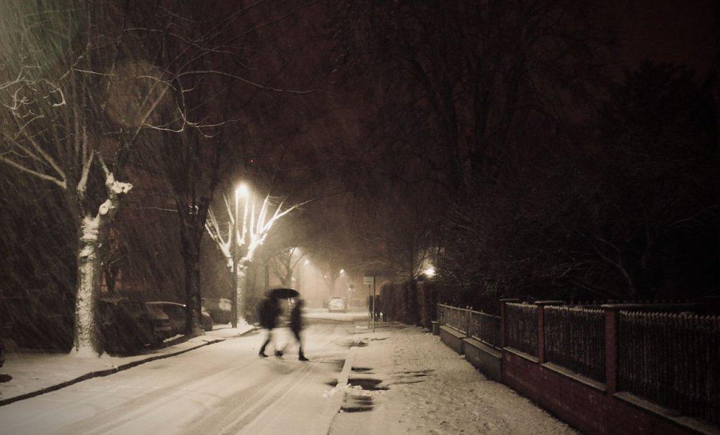 Erneuter Wintereinbruch Schneefall und Straßenglätte in Teilen von Nordrhein-Westfalen